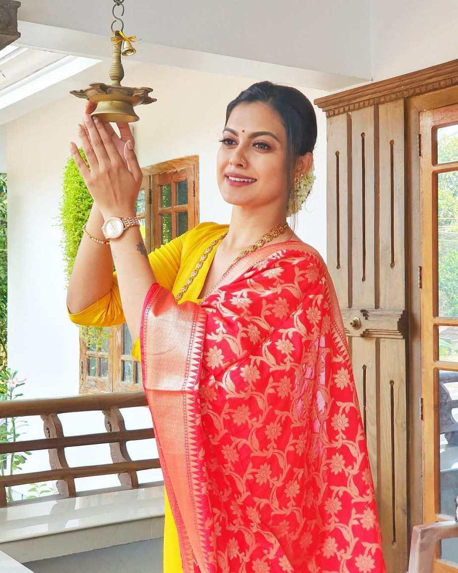 Anusree Nair in an yellow kurta set for cousin's wedding2