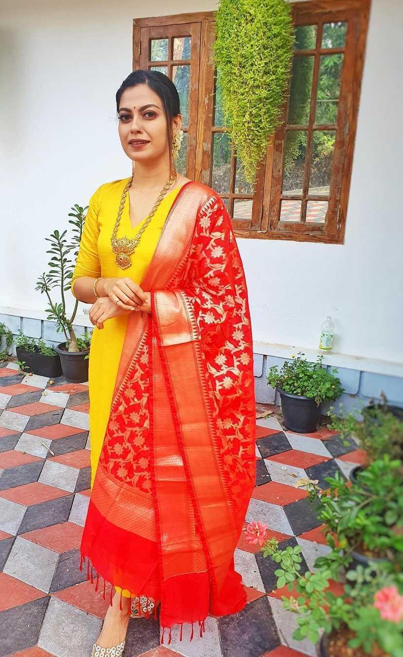Anusree Nair in an yellow kurta set for cousin's wedding3