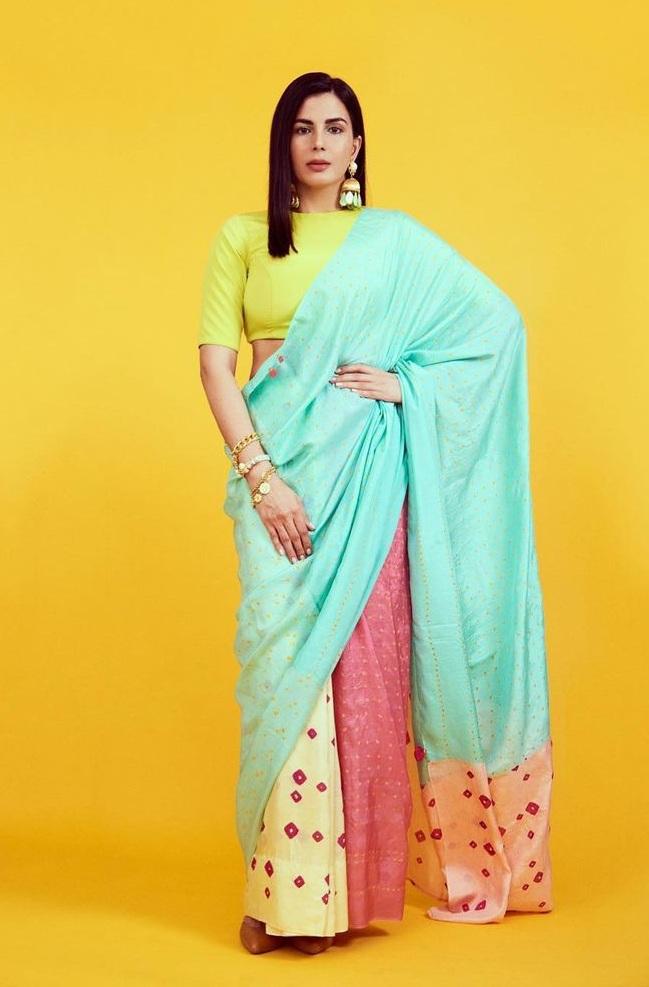 Kirti Kulhari in a multi colored saree by Injiri for Crimninal justice S2-2
