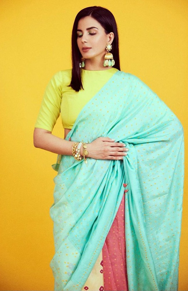 Kirti Kulhari in an Injiri aqua saree for Criminal Justice S2 promotions!