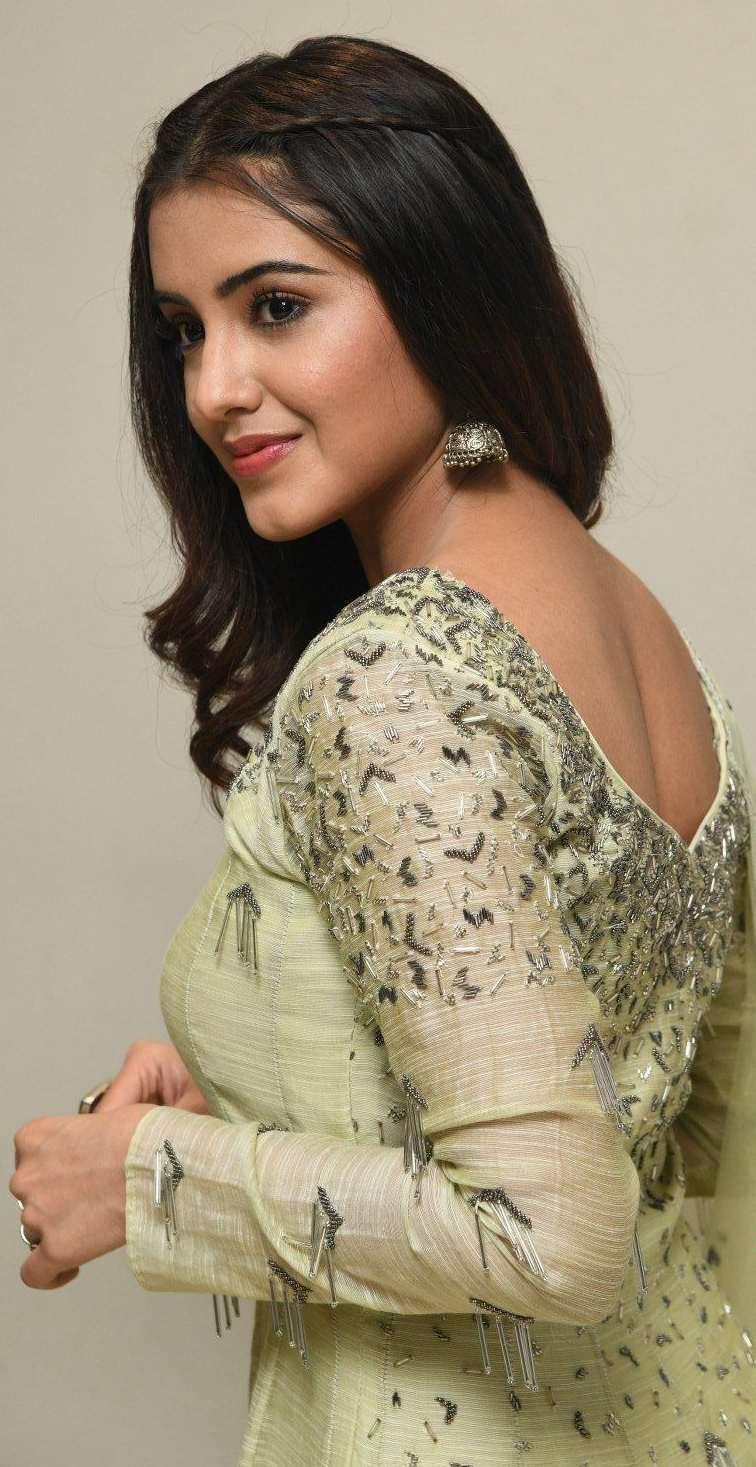 Malvika Sharma in a light green anarkali at my south diva calendar 2021 launch3