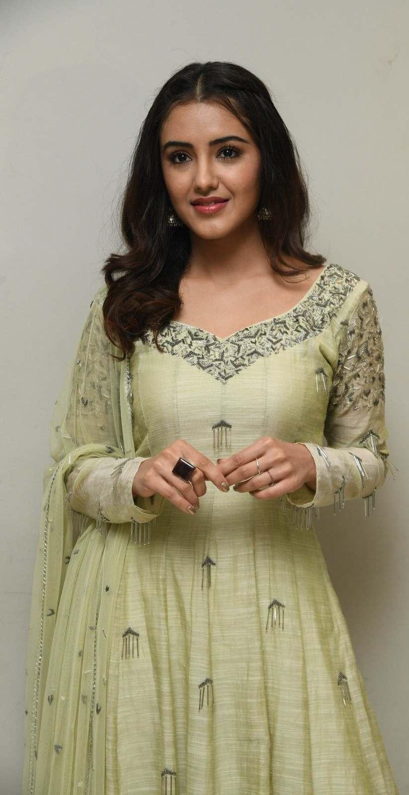 Malvika Sharma in a light green anarkali at my south diva calendar 2021 launch5