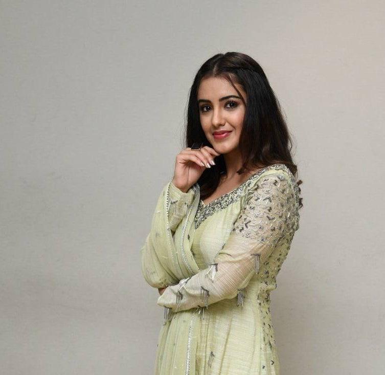 Malvika Sharma in a light green anarkali at my south diva calendar 2021 launch6