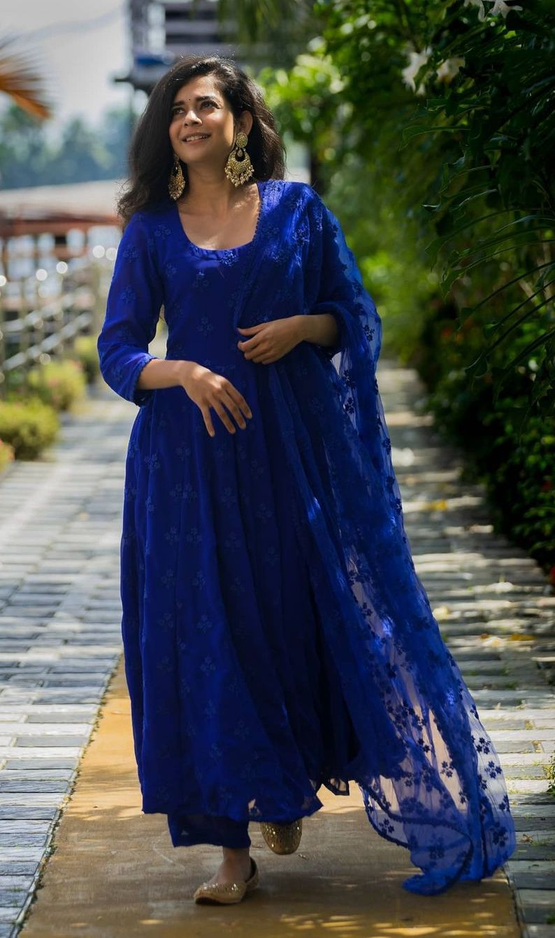 Mithila Palkar in a sapphire gulaabo jaipur anarkalis for tribhanga promotions7
