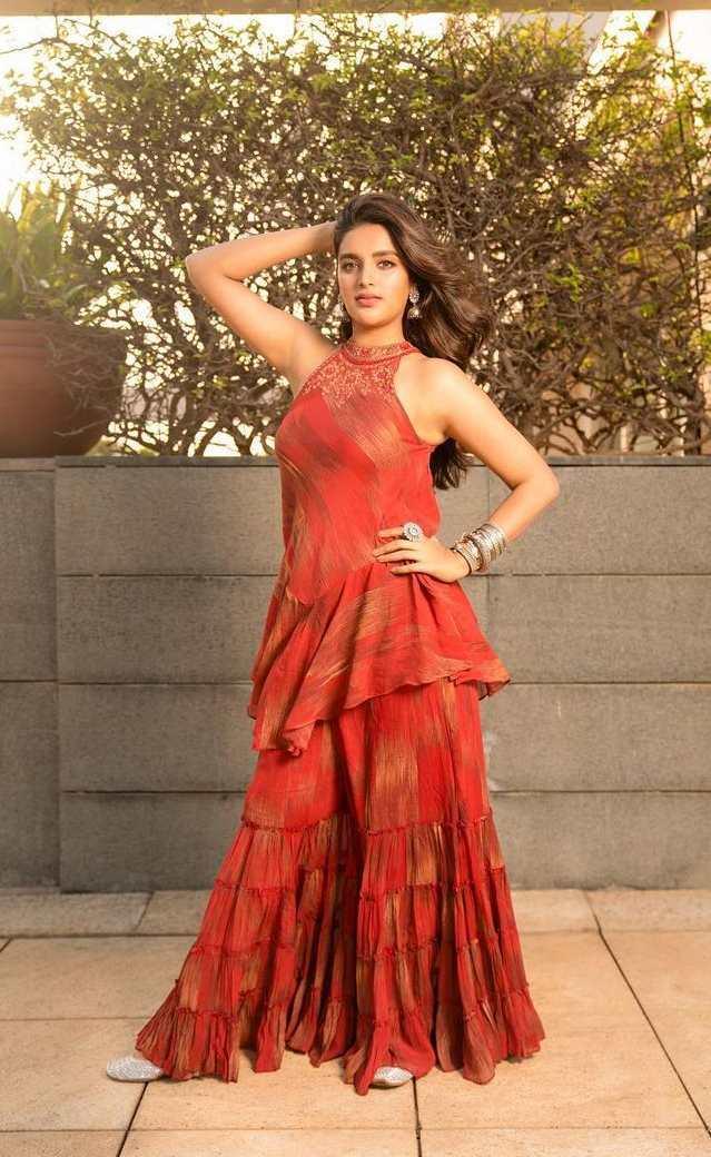 Nidhhi Agerwal in ritu kumar for movie promotions1