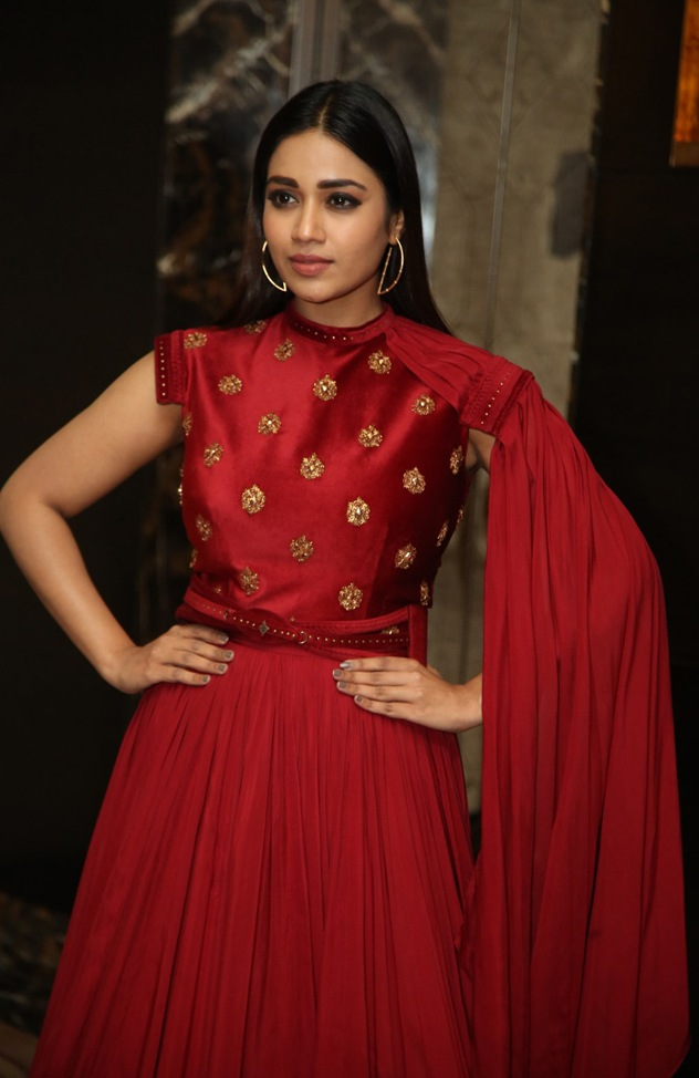 Nivetha Pethuraj in a red ensemble at red pre release event5