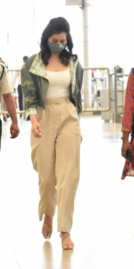 Raashi Khanna in khakhi pants sea weed green jacket at RGI1.1