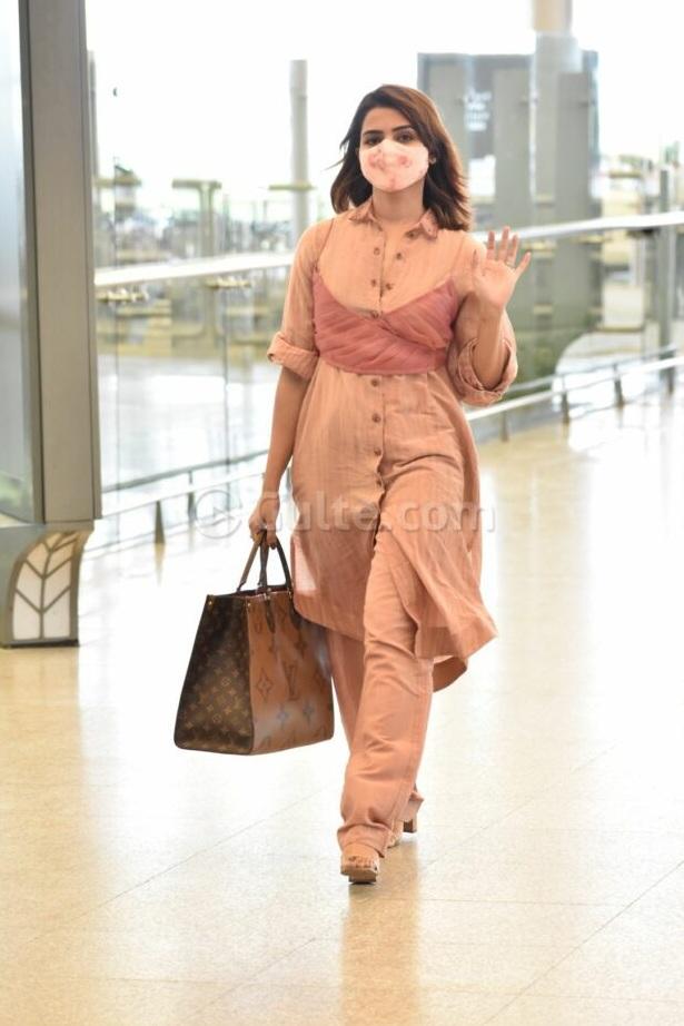 Samantha akkineni in a peach coord set by loom at RGI1