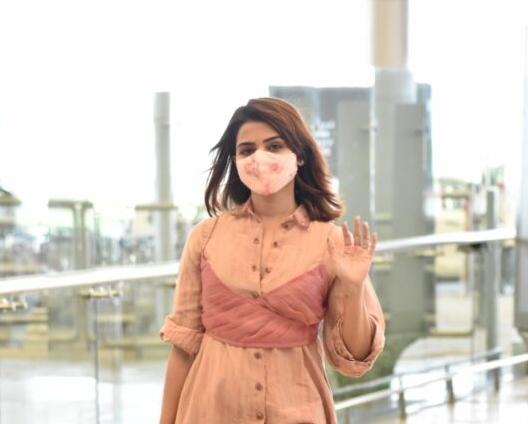 Samantha akkineni in a peach coord set by loom at RGI6