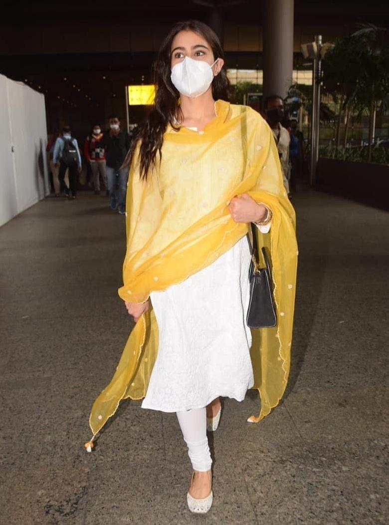 Sara ali khan in a white salwar suit at Mumbai airport3