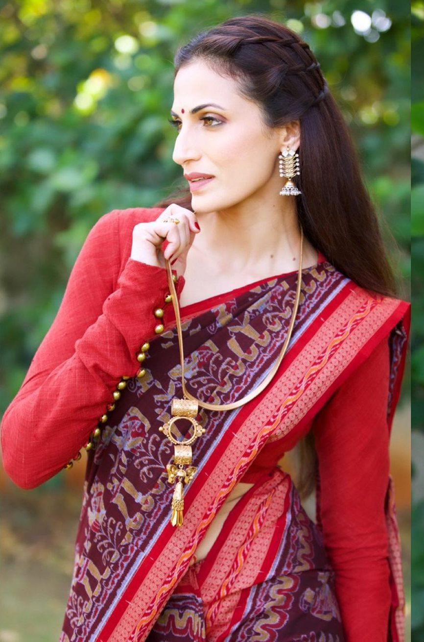 Shilpa reddy in maroon saree by Kanktala for q&a1
