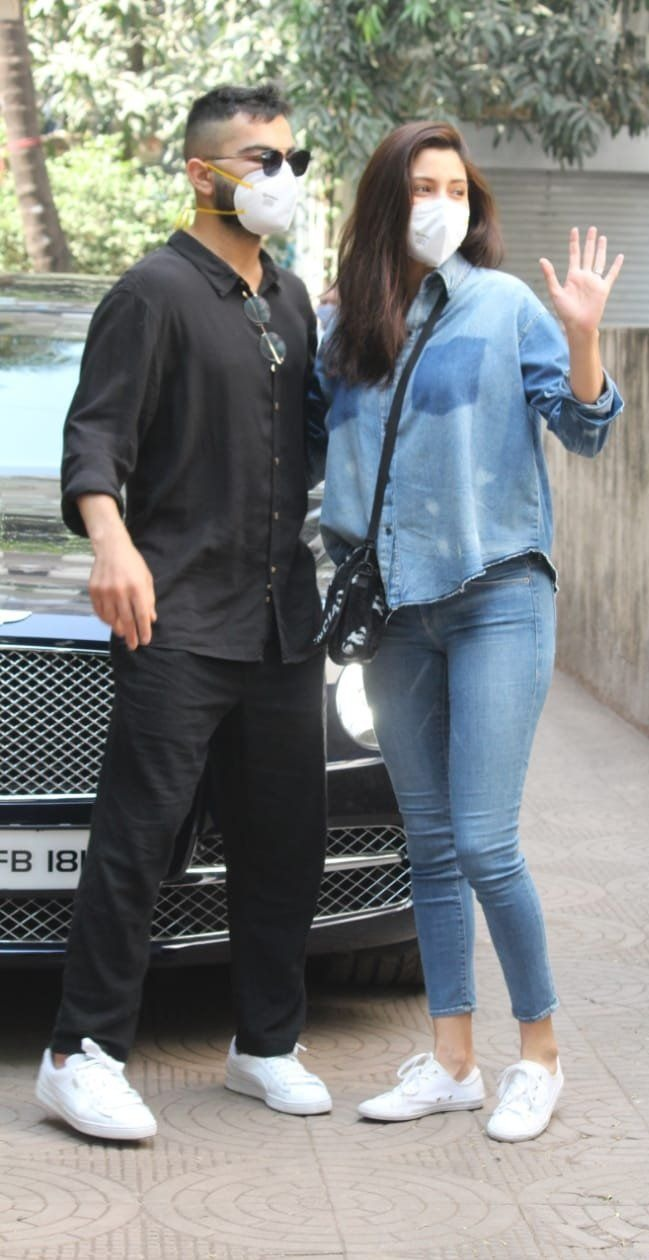 Virat Kohli and Anushka Sharma spotted first time after baby birth4
