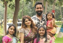 Vishnu Manchu and family in label vida for Sankranthi 9