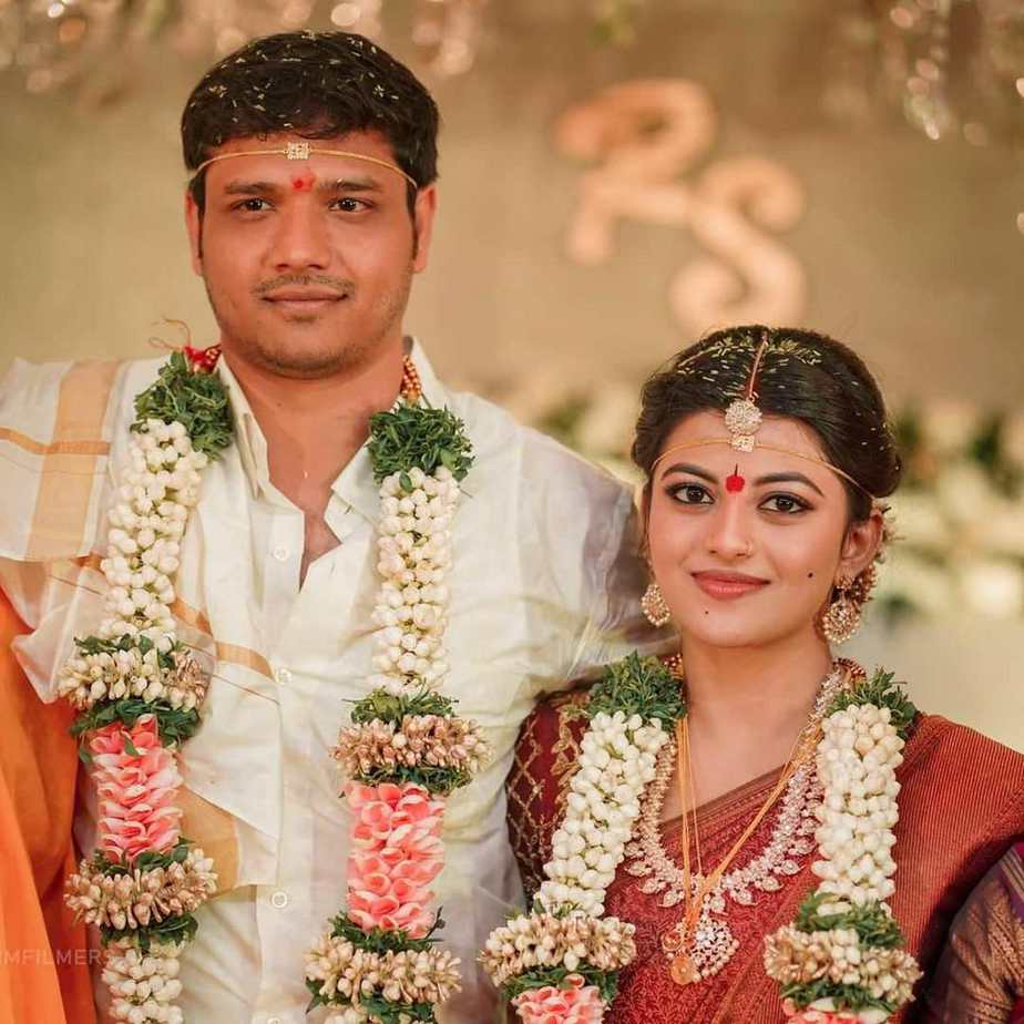 actress kayal anandhi wedding pictures