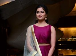 amritha aiyer in maroon skirt at 30 Rojullo Preminchadam Ela movie prerelease event