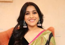 rashmi gautam at thread and fabric launch in floral saree