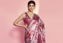 sanjana sanghi in pink sequin embellished saree by akanksha gajria
