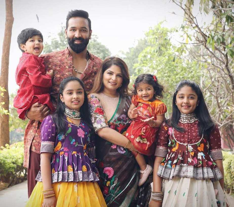 vishnu manchu and family bhogi 2021 celebrations