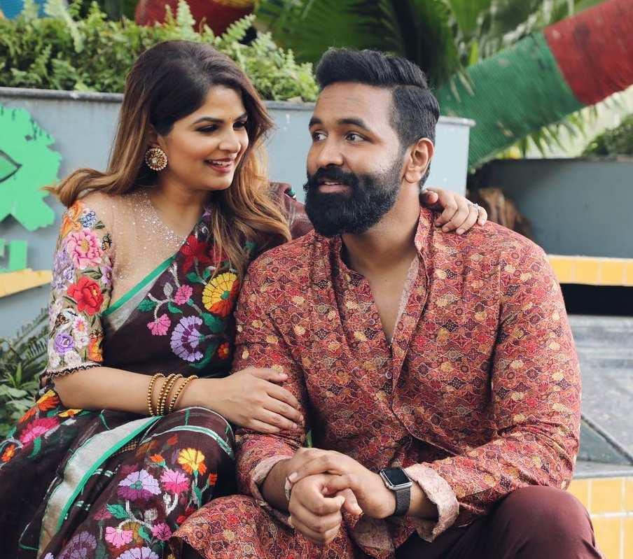 vishnu manchu and wife viranica manchu bhogi 2021 celebrations