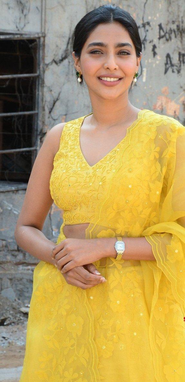 Aishwarya lekshmi in yellow lehenga at godse movie launch event4.1