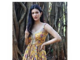 Amyra Dastur in a yellow indowestern outfit by Chhavi aggarwal1