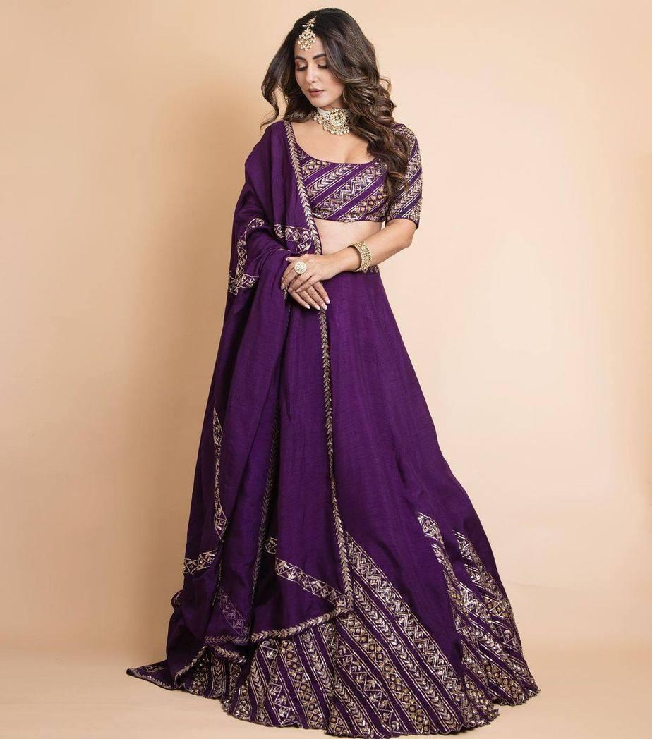 Hina Khan in praytusha garimella purple lehenga2