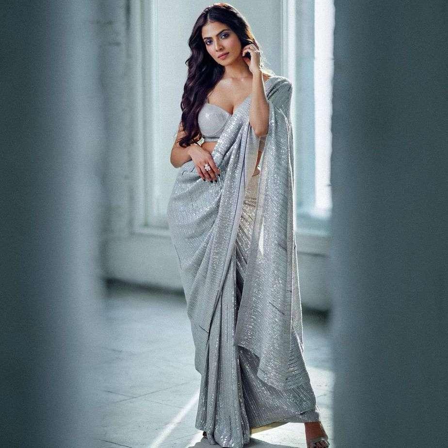 Malavika Mohanan in silver sequin saree by Manish Malhotra3