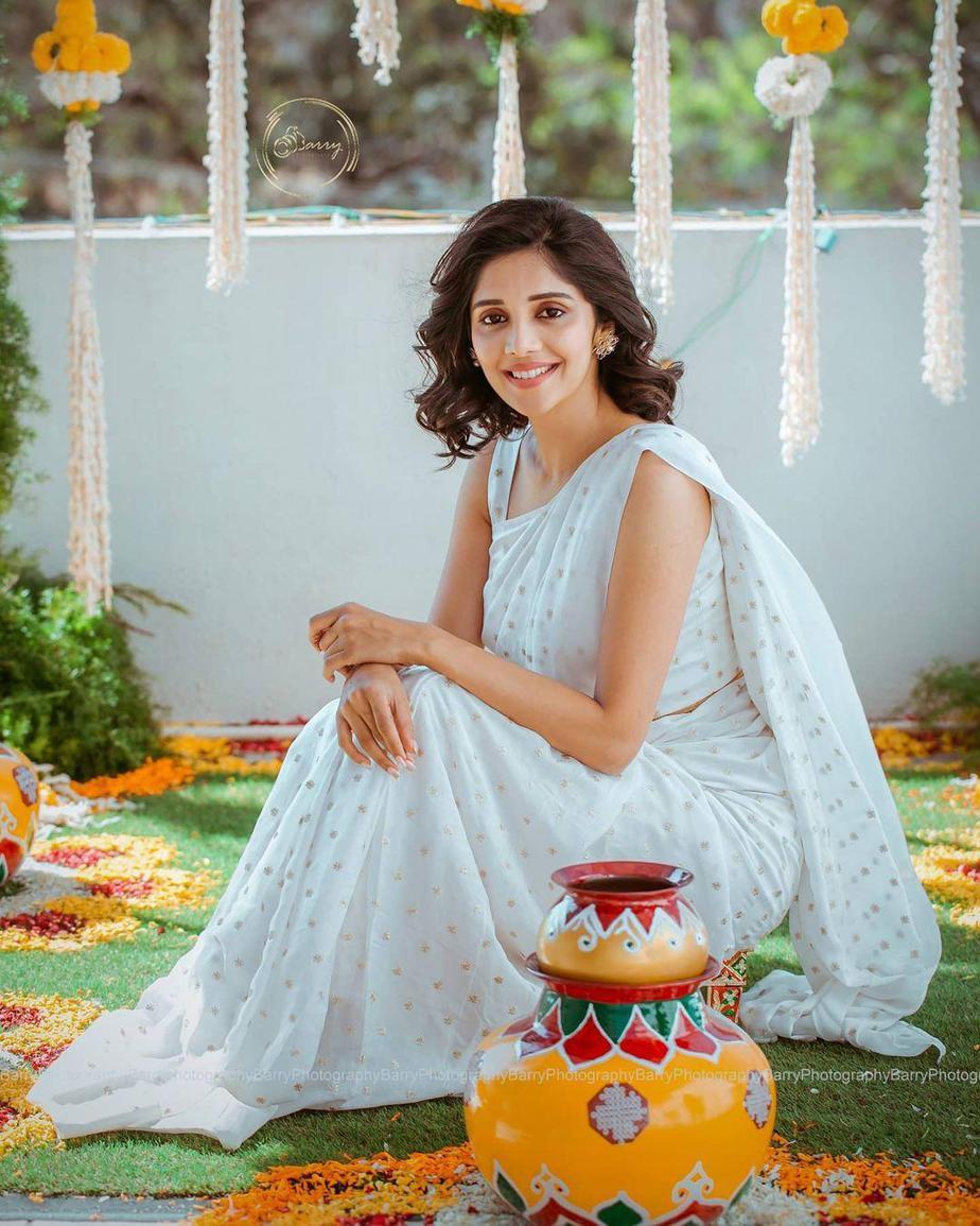 Milana Nagaraj in white kalasthree saree at her haldi