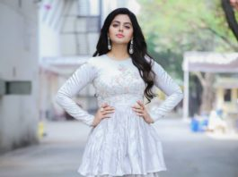Monal Gajjar in a kurta-dhoti by Archita Narayanan for bb3 utsavam2