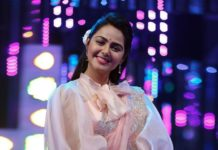 Monal Gajjar in peachish pink organza saree by Suvarna mandir for dance plus
