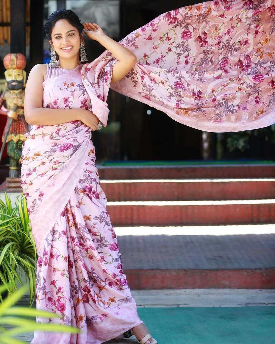 Nandita Swetha in a floral saree by Shasmahi for Akshara movie interview-1.2