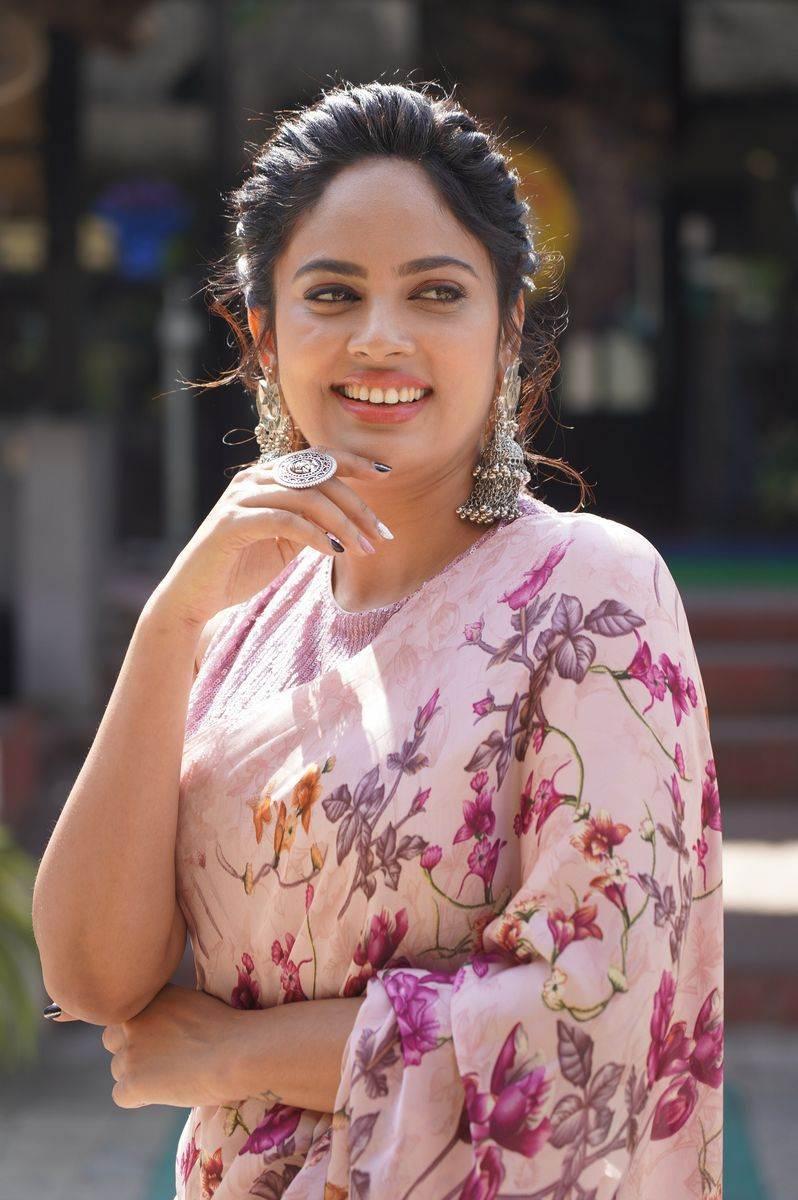 Nandita Swetha in a floral saree by Shasmahi for Akshara movie interview-1