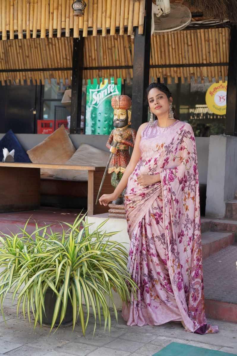 Nandita Swetha in a floral saree by Shasmahi for Akshara movie interview