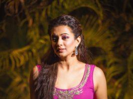Priyamani Raj in Magenta dress by baisa crafts for Dhee13-3
