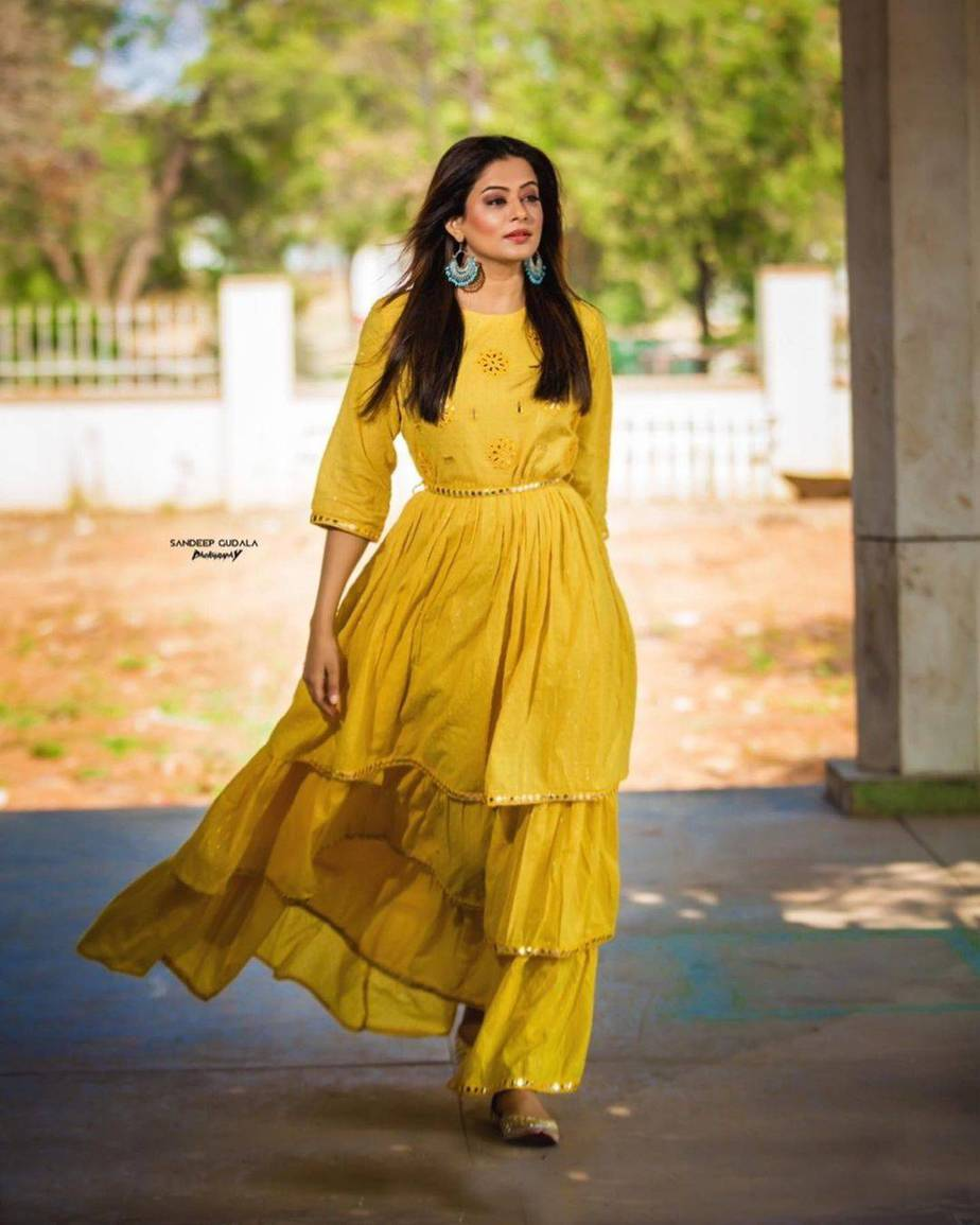 Priyamani Raj in yellow flared dress by Kamodinee for Dhee 13-2