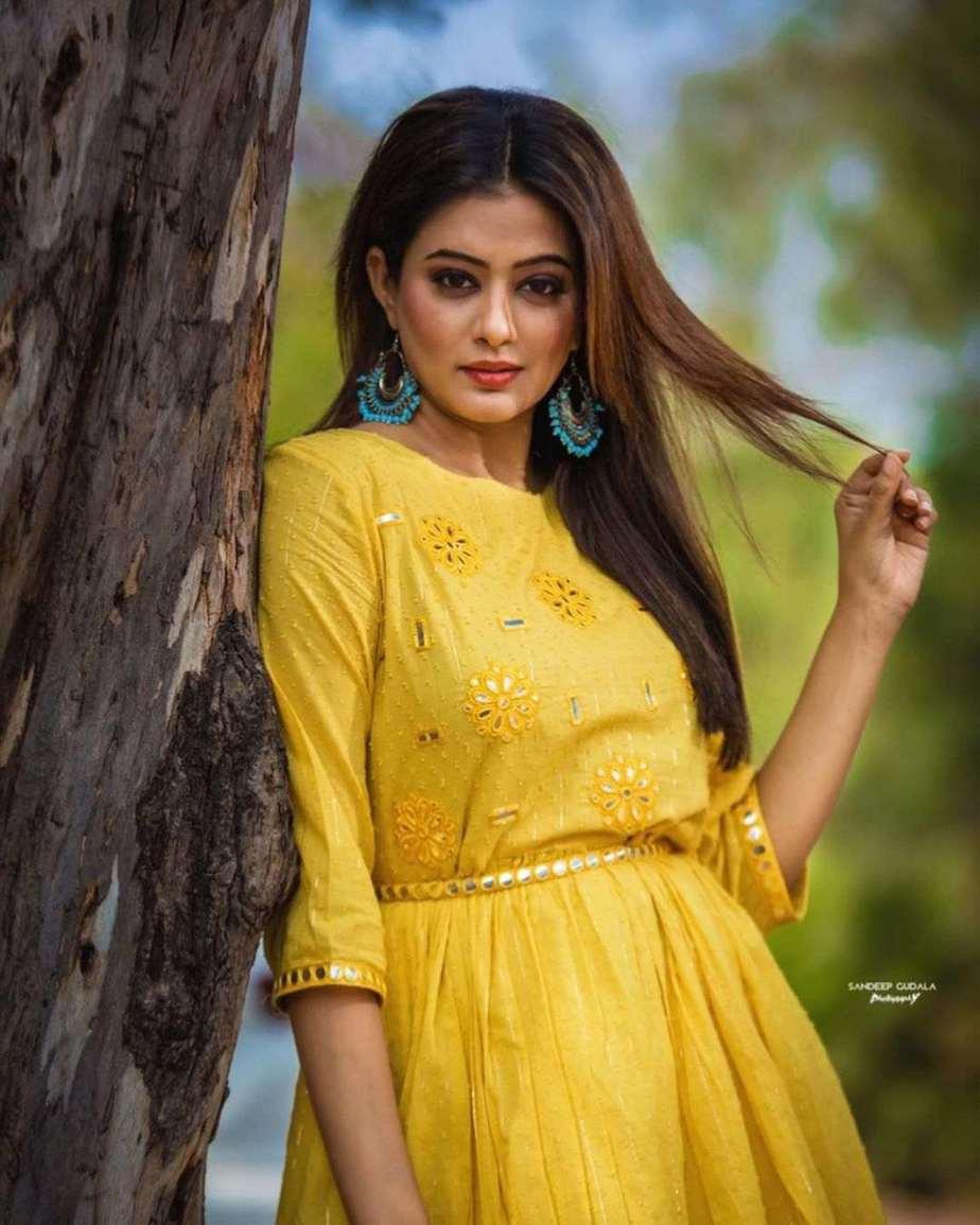 Priyamani Raj in yellow flared dress by Kamodinee for Dhee 13-4
