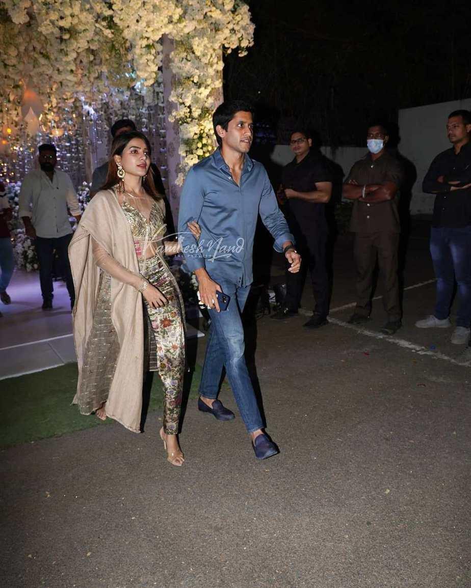 Samantha Akkineni and Chaitanya in gold and blue at Director Sukumar's family bash1