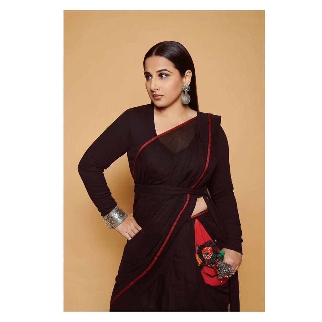 Vidya balan in a black nandidimps saree 2