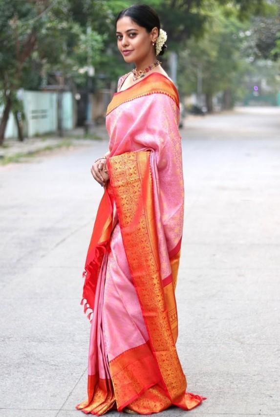bindu madhavi attended friend's wedding in pink silk saree