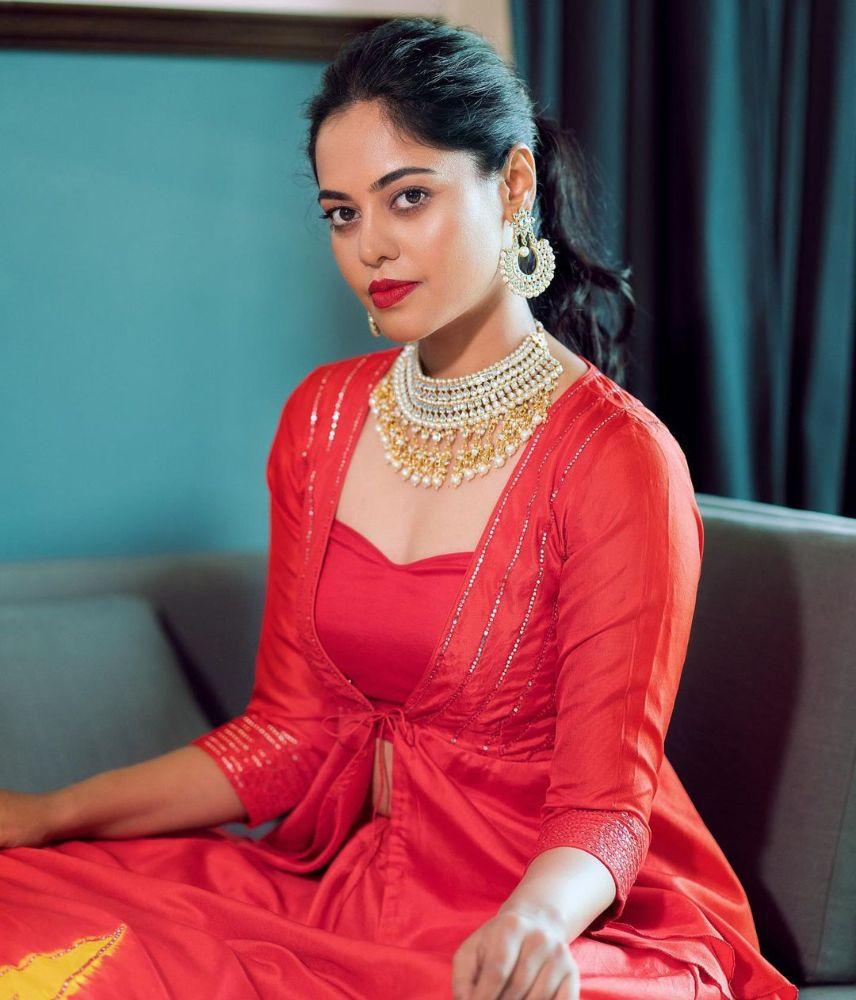 bindu madhavi in yellow and red skirt for friend's wedding