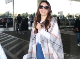 hansika motwani in white t-shirt and blue jeans at airport