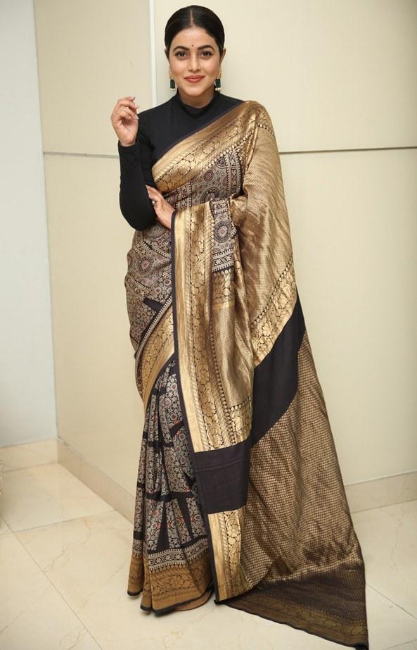 poorna in black and gold silk saree at sundari movie trailer launch