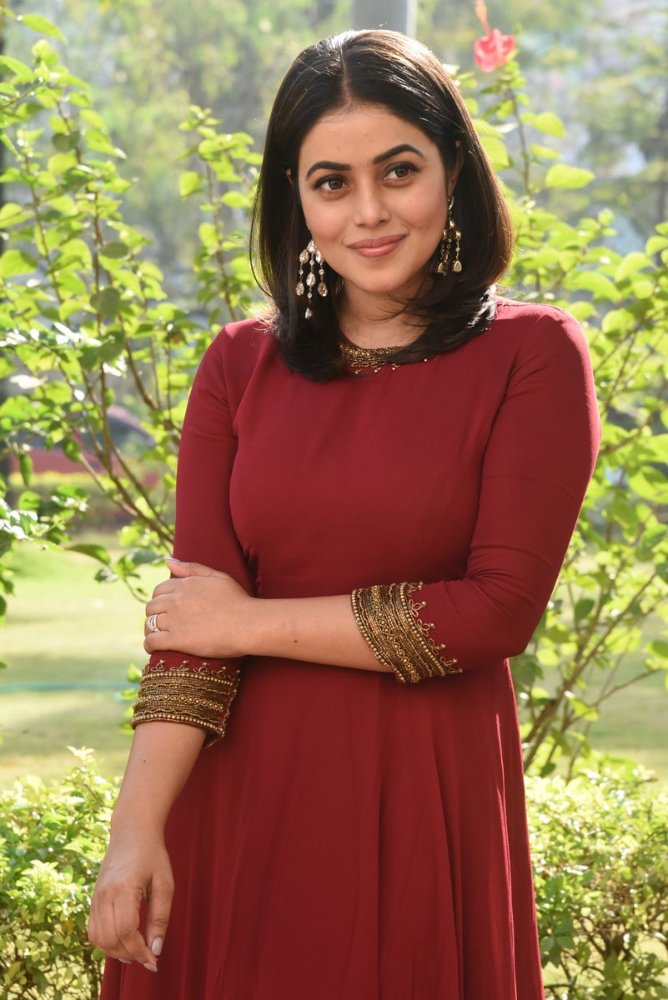 poorna in maroon dress at powerplay trailer launch