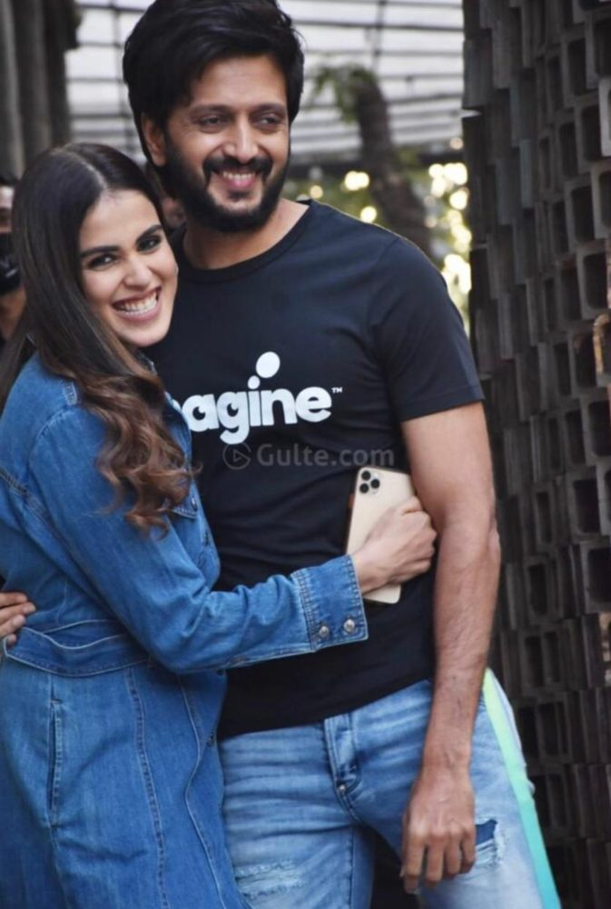 ritesh and genelia in denim casuals for shoot