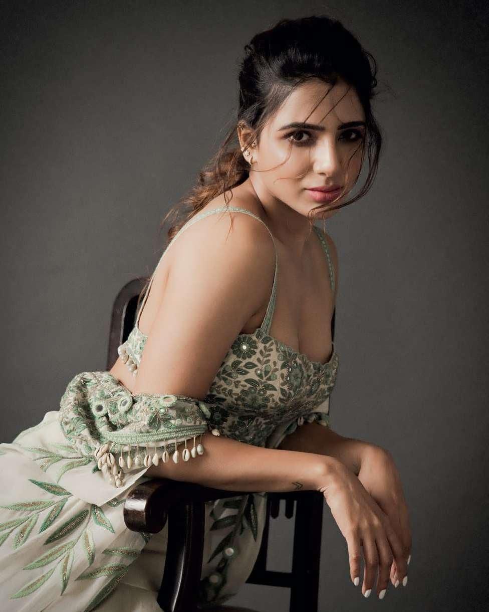 samantha akkineni lehenga with cape for arpita mehta photoshoot