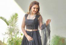 sridevi vijaykumar in black lehenga set at comedy stars