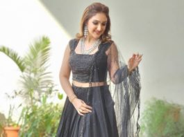 sridevi vijaykumar in black lehenga set at comedy stars