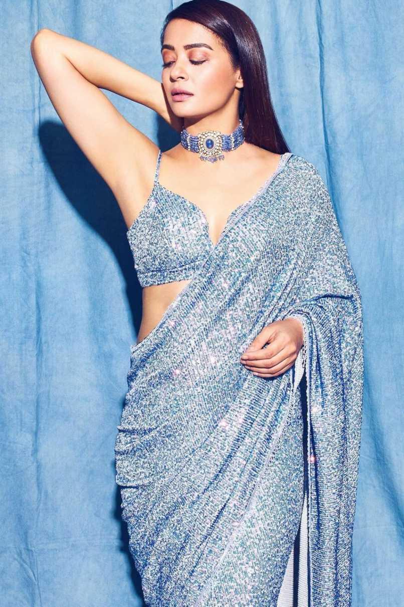 surveen chawla in powder blue saree by Neeta lulla-3