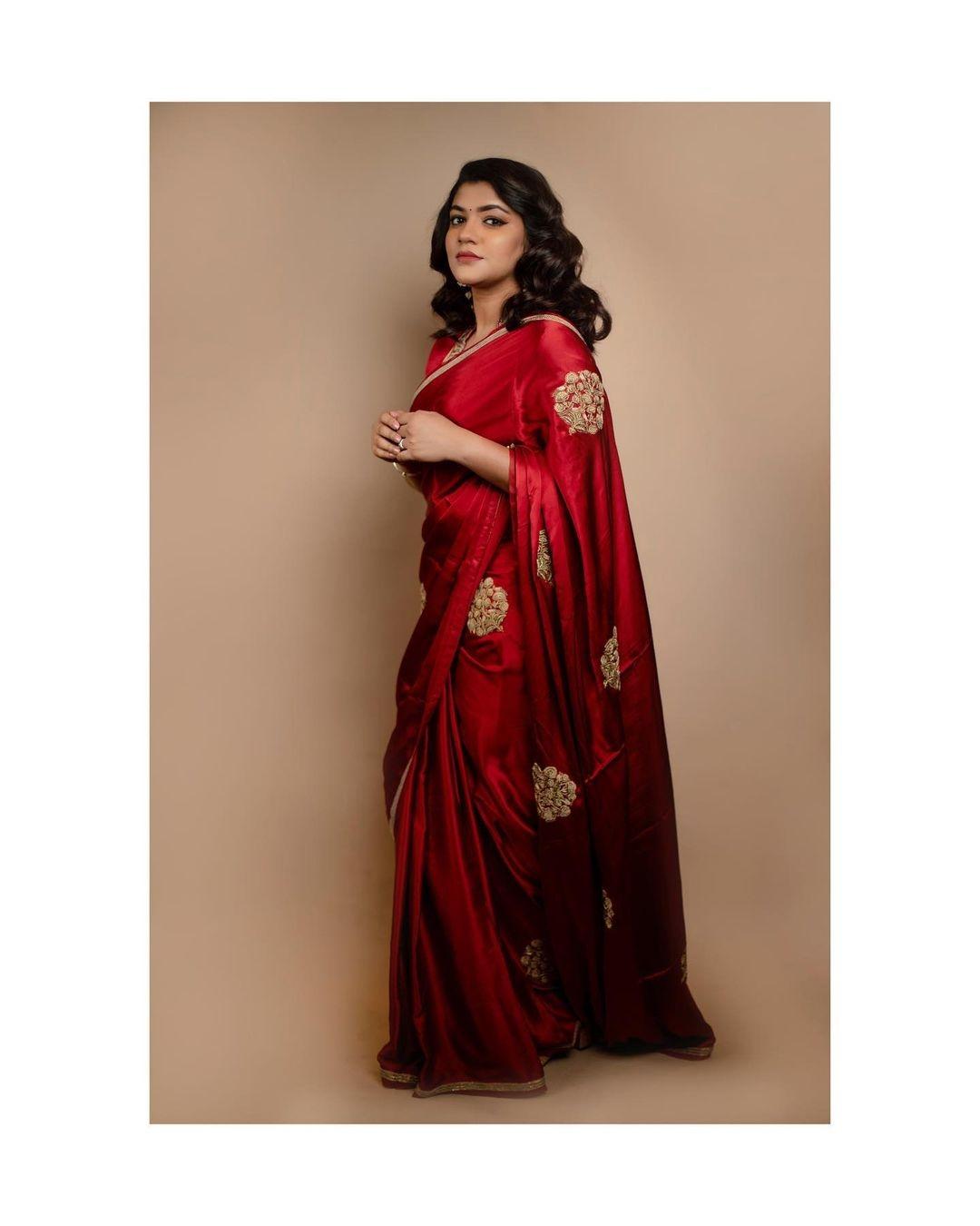 Aparna Balamurali in red raw mango saree for JFW awards