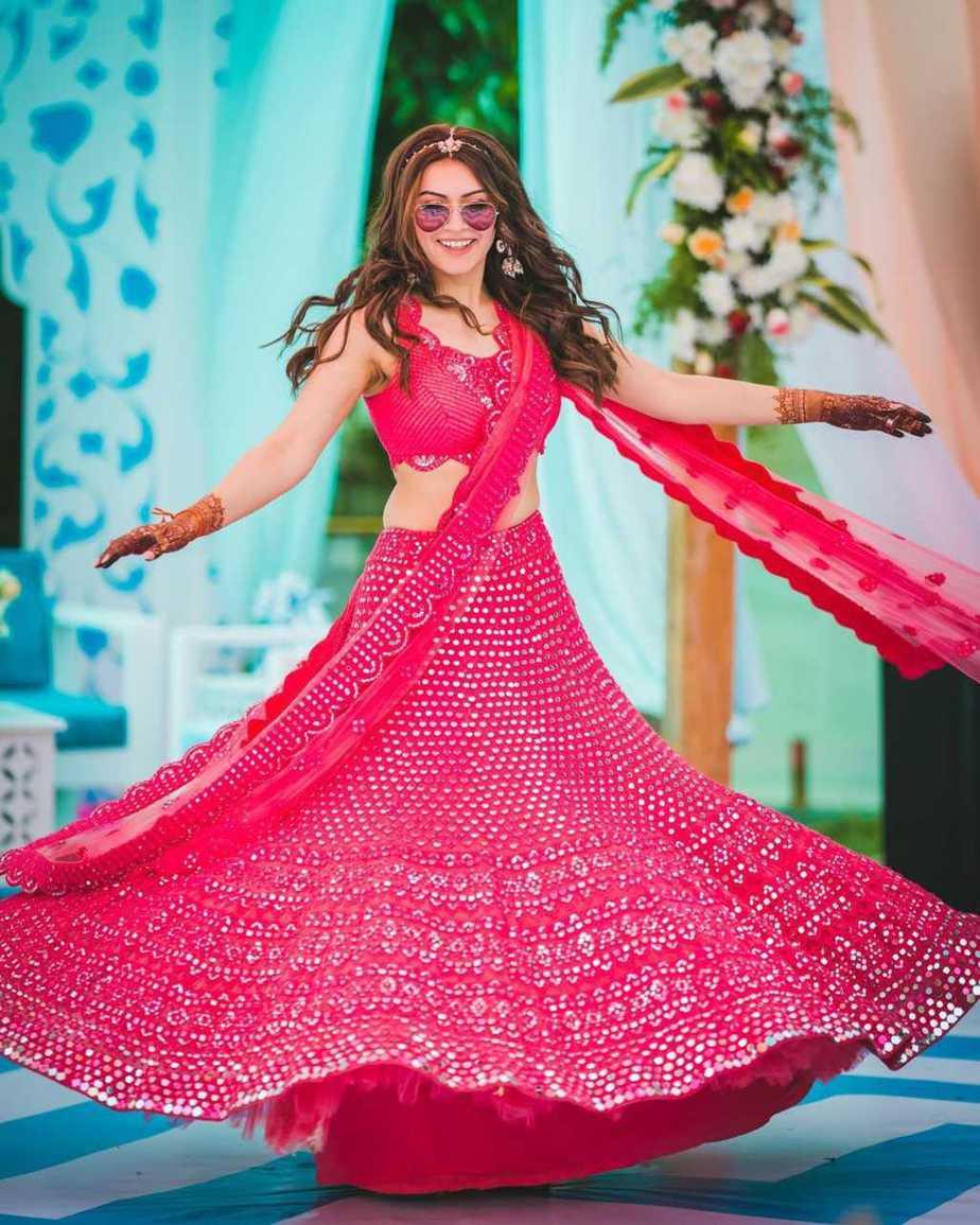Hansika in pink abhinav mishra lehenga for brother's wedding day 3-2
